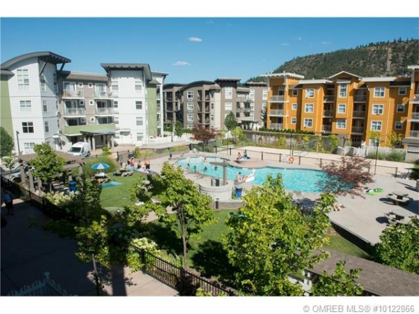 Condominium :: Apartment :: $219,900 :: Kelowna, British Columbia :: 1003 sq. ft.