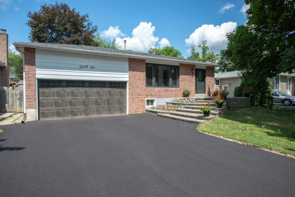 24 Maple Ave W, Beeton Ontario